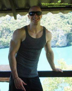 natural vegan bodybuilder