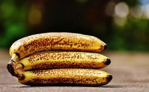 bananas-with-brown-spots