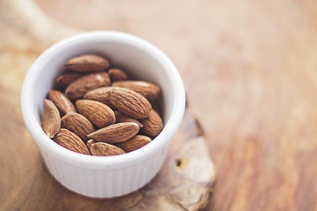 almonds-plant-based-calcium