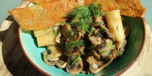 vegan-pasta-dish-mushroom