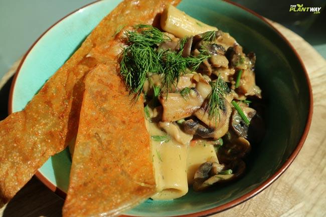 vegan-pasta-mushroom-stroganoff